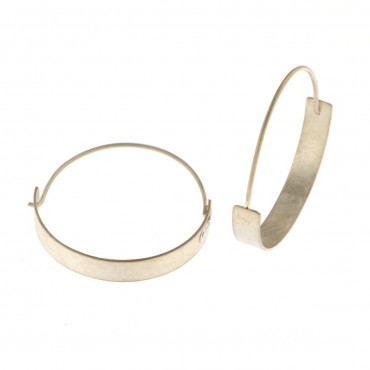 Orecchini  a cerchio in argento graffiato