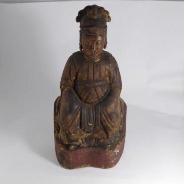 Statuetta legno policromo. Provenienza: Cina