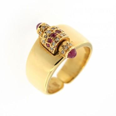 Anello di forme Decò, oro 18 Kt con rubini naturali e brillanti